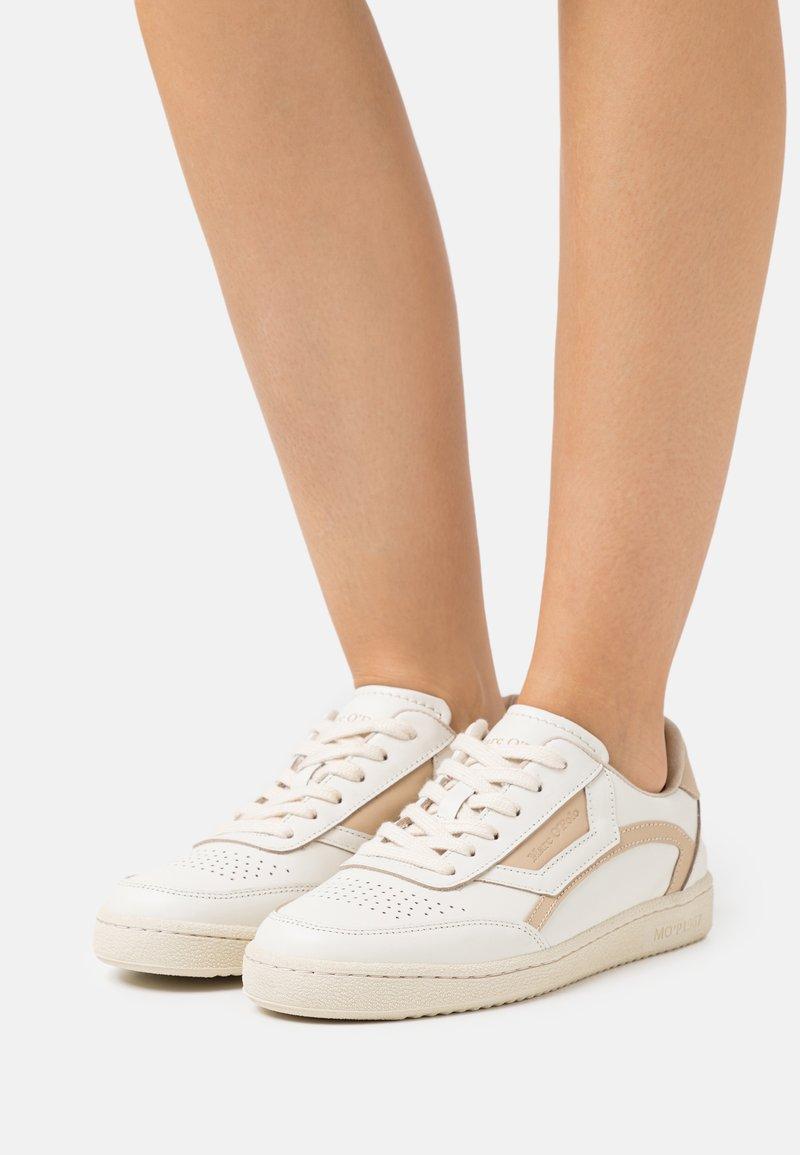 Marc O'Polo - COURT - Sneakersy niskie - offwhite/sand