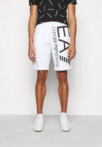 EA7 Emporio Armani - Shorts - white/black - 0