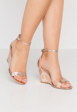 DAKOTA - Sandály na vysokém podpatku - pink/rose gold
