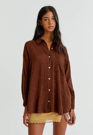Button-down blouse - mottled light brown