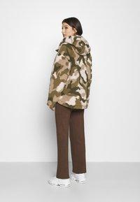 Billabong - HIKING LOVER - Winter jacket - army - 2