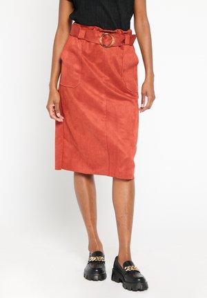 Pencil skirt - rust