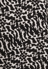Vero Moda - VMOHANNA O NECK - Blouse - black/birch - 5
