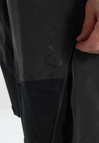 Gore Wear - ALL MOUNTAIN SHORTS - Sports shorts - terra grey - 4