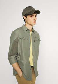Wrangler - ALL TERRAIN GEAR - Camisa - dusty olive - 4