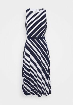 FELIA SLEEVELESS DAY DRESS - Jersey dress - lighthouse navy