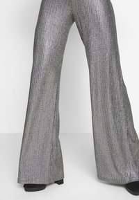 Club L London - TEXTURED SPARKLE HIGH WAIST TROUSERS - Trousers - silver - 4