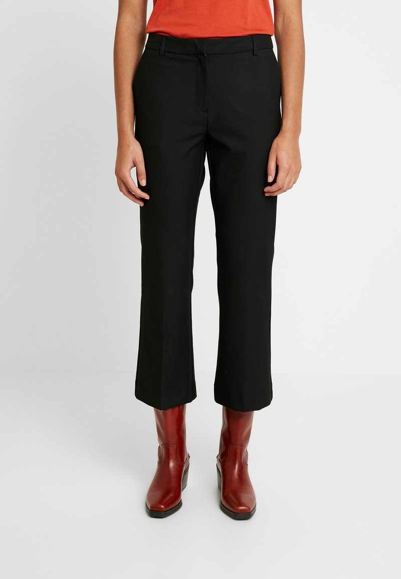 Selected Femme - SLFADA CROPPED FLARED PANT NOOS - Trousers - black