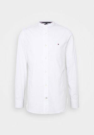 SLIM STRETCH SHIRT - Shirt - white