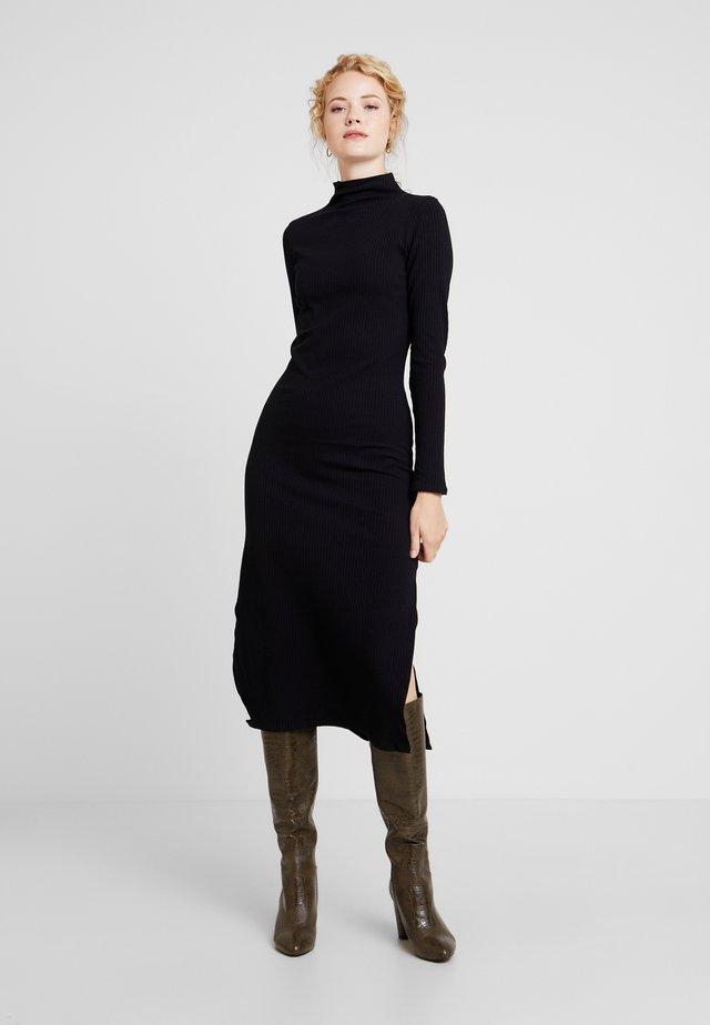 VESTIDO MALHA COSTINE MALAGA - Vestido de tubo - preto