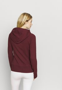 Nike Performance - YOGA FITTED - Hoodie met rits - night maroon/team red - 2