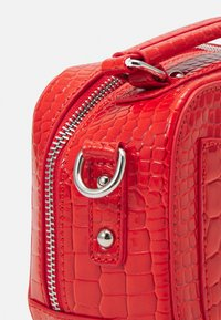 HVISK - BLAZE CROCO - Handbag - orange red - 4