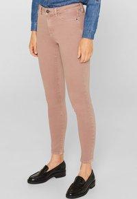 Esprit - SUPERSTRETCH - Jeans Skinny Fit - mauve - 0