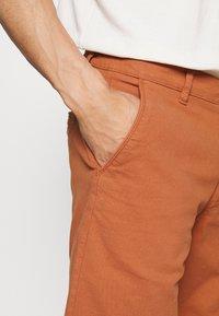 Selected Homme - SLHCHESTER FLEX CAMP - Shorts - sierra - 4