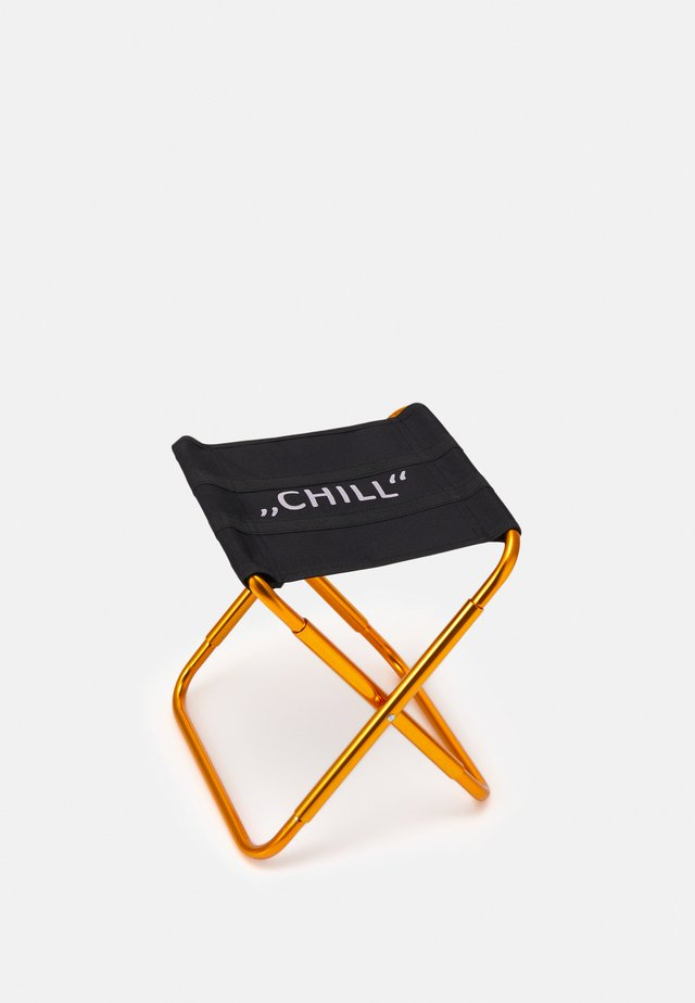 LETTERED CHILL CAMPING CHAIR - Jiné doplňky - black