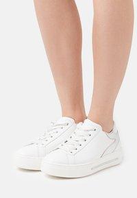 Alpe - STAR - Sneakers - blanco - 0