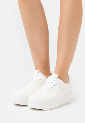 VEGAN PLATFORM  - Joggesko - white