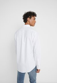 Polo Ralph Lauren - CUSTOM FIT  - Skjorter - white - 2