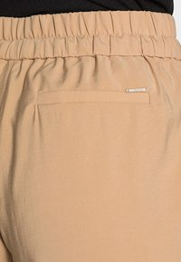 comma - Trousers - beige - 4