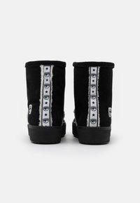 CHIARA FERRAGNI - BOOT - Classic ankle boots - black - 3