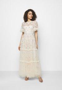 Needle & Thread - DITSY RIBBON GOWN - Společenské šaty - champagne - 0