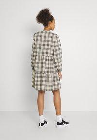 b.young - FINE DRESS  - Shirt dress - birch - 2