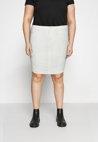 Vero Moda Curve - VMFAITH SHORT SKIRT MIX - Mini skirt - cloud dancer - 0