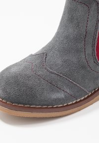 Walnut - BURROW BOOT - Classic ankle boots - charcoal - 2