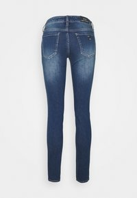 Armani Exchange - POCKETS PANT - Jeans Skinny Fit - indigo denim - 1