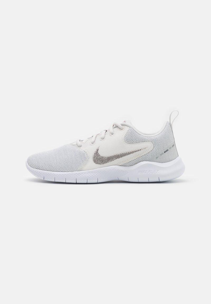 Nike Performance - FLEX EXPERIENCE - Scarpe running neutre - white/metallic silver/platinum tint/light smoke grey