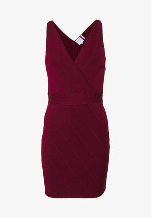 ICON STRAP DRESS - Robe fourreau - dark red