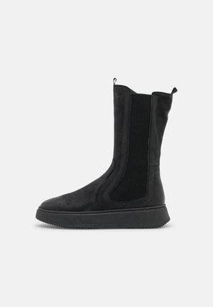 DIOSPY - Platform boots - oxside black