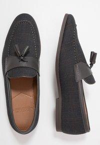Burton Menswear London - SYDNEY - Nazouvací boty - navy - 1