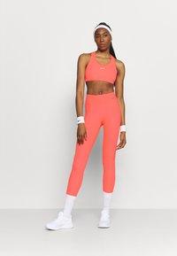 Nike Performance - FASTER 7/8 - Tights - bright mango/gunsmoke - 1
