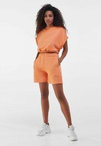 Bershka - Shorts - orange - 1