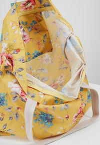 Cath Kidston - LARGE FOLDAWAY TOTE - Shopping bags - yellow - 4