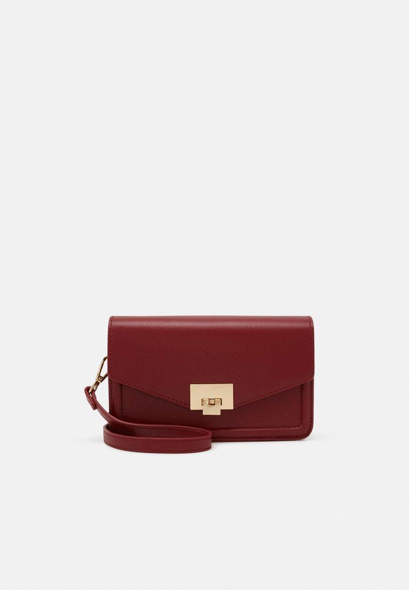 Anna Field - Across body bag - red