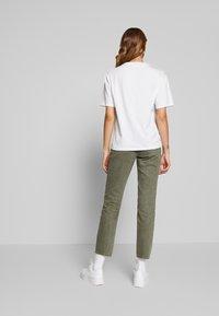 Lacoste - TF5458 - T-shirt basic - white - 2