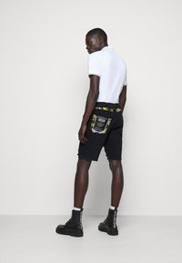 Versace Jeans Couture - Denim shorts - nero - 2