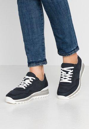 Sneakers laag - pazifik