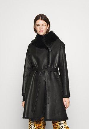 GENEVA LONG BELTED COAT  - Leather jacket - black