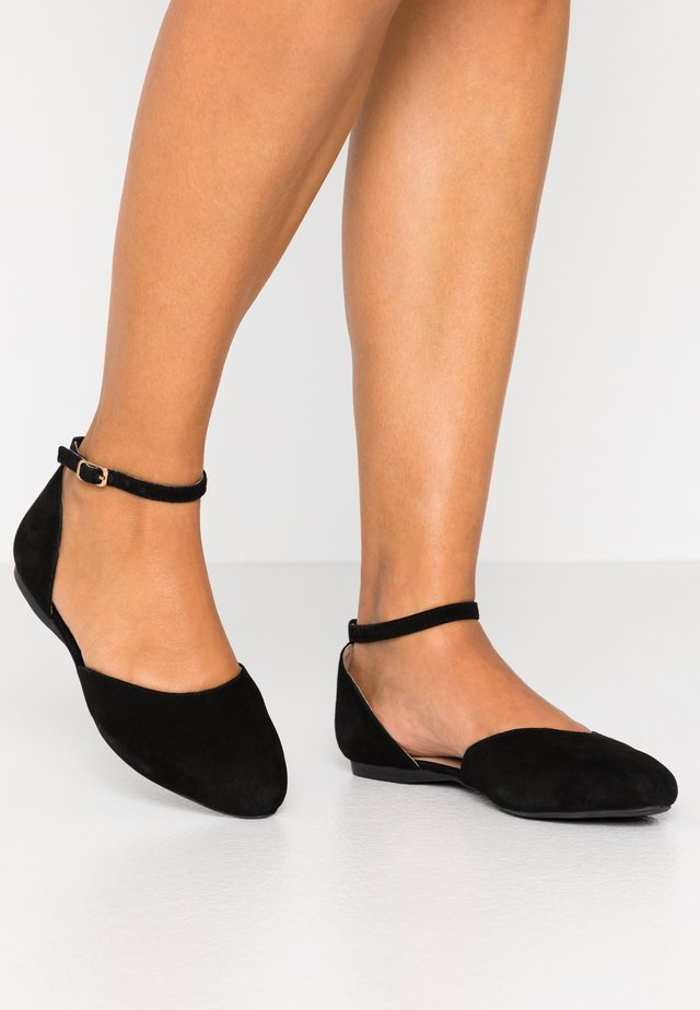 LEATHER ANKLE STRAP BALLET PUMPS - Bailarinas con hebilla - black