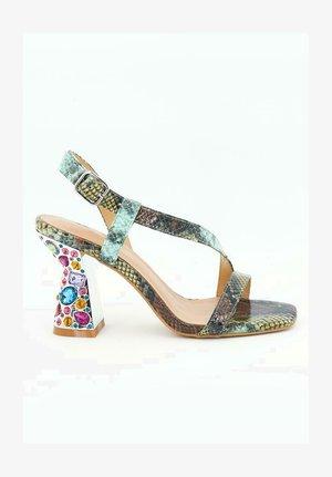 MARGARITA - Sandals - green
