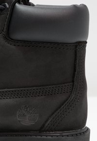 Timberland - ICONIC CLASSICS 6 INCH PREMIUM WP BOOT - Lace-up ankle boots - schwarz - 5