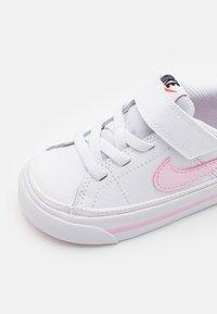 Nike Sportswear - COURT LEGACY  - Trainers - white/pink foam - 5
