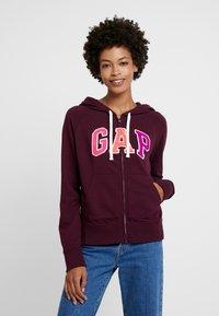 GAP - Zip-up hoodie - secret plum - 0