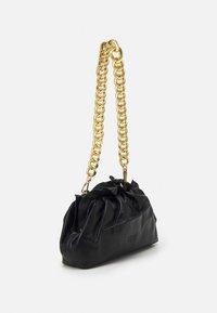 Pinko - MINI CHAIN FRAIMED CHAIN - Handbag - black - 3