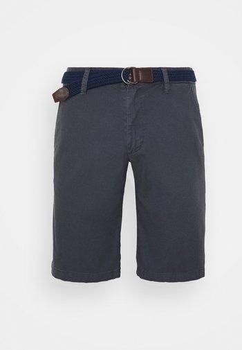 BERMUDA WITH BELT - Shorts - ebony