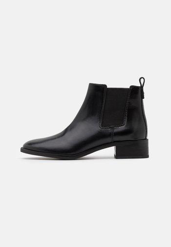 CASUAL CHELSEA - Kotníková obuv - perfect black