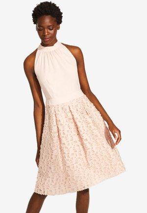 MIT FRANSIGER STRUKTUR - Cocktailkleid/festliches Kleid - light pink